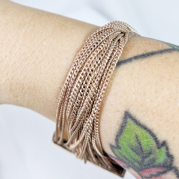 Jewelry - 🌜3 for $25🌛Gold Tone Twisted MultiChain Bracelet
